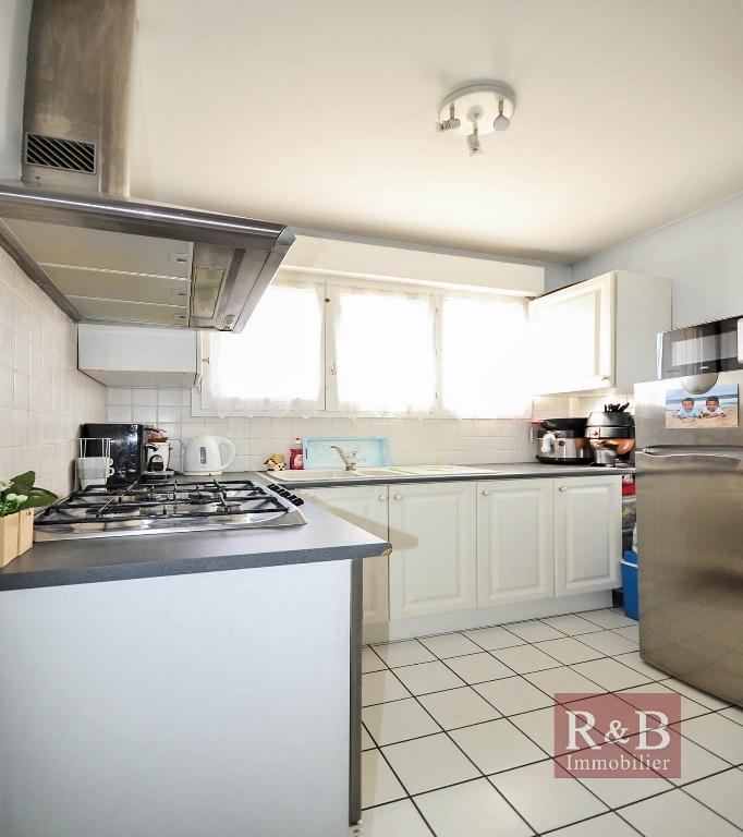 Sale apartment Plaisir 169000€ - Picture 5