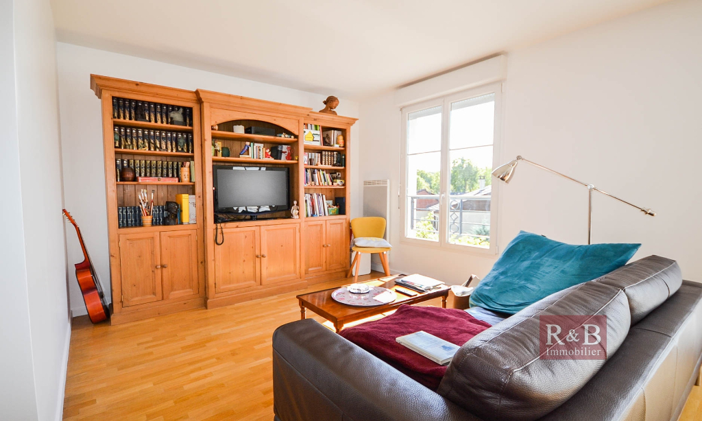Sale apartment Les clayes sous bois 330000€ - Picture 3