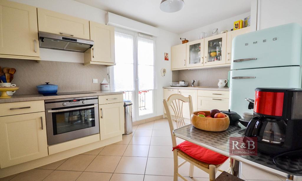 Sale apartment Les clayes sous bois 330000€ - Picture 7