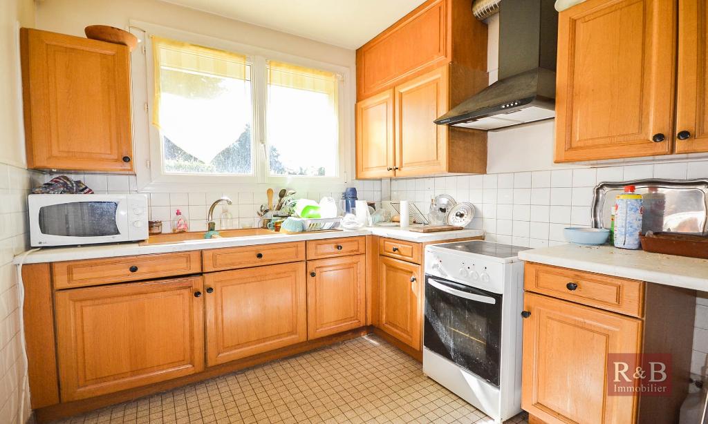 Sale house / villa Plaisir 348000€ - Picture 3