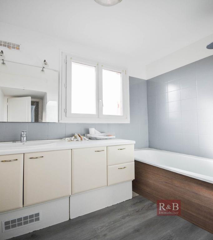Sale apartment Les clayes sous bois 175000€ - Picture 6