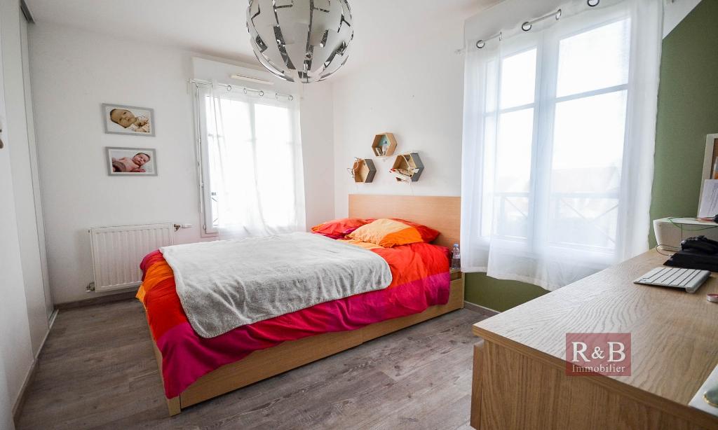 Sale apartment Les clayes sous bois 325000€ - Picture 6
