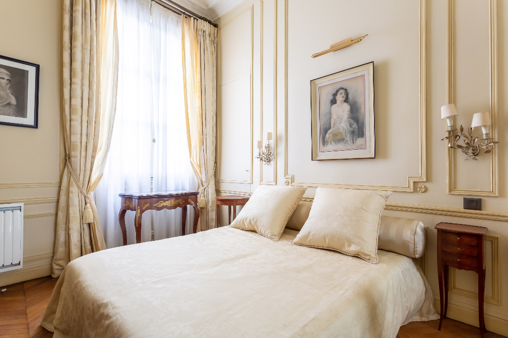 Vente Appartement de 4 pièces 126 m² - PARIS 75008   REZ DE CHAUSSEE.COM - AR photo4