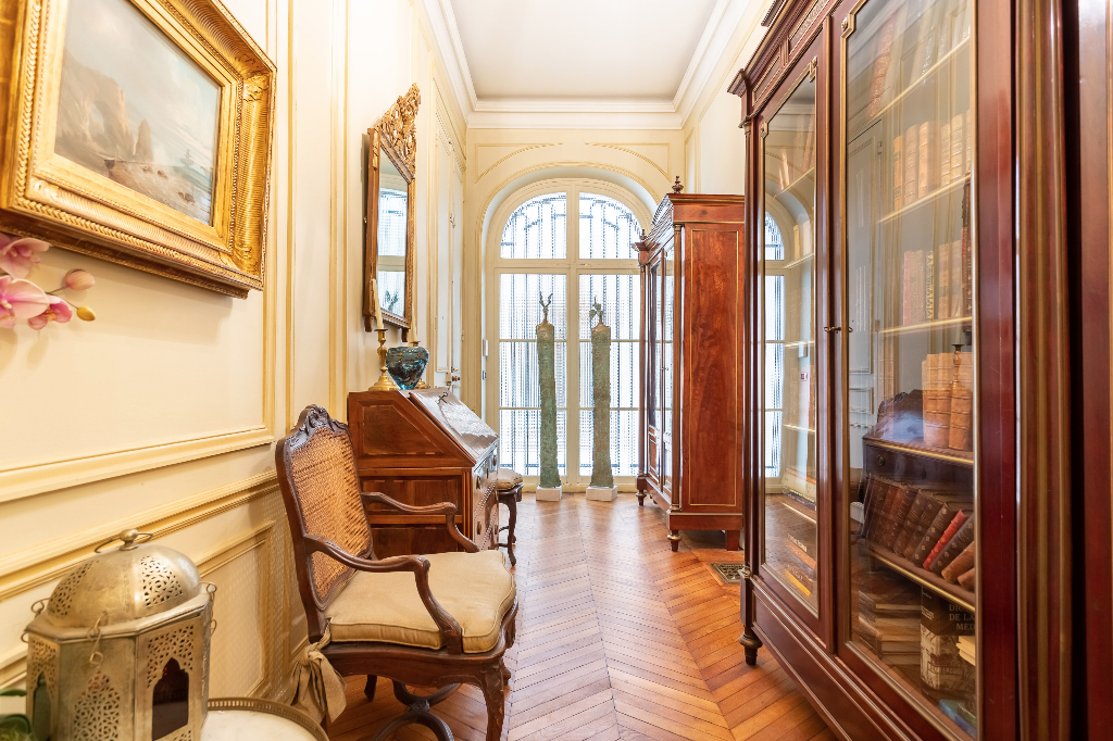 Vente Appartement de 4 pièces 126 m² - PARIS 75008   REZ DE CHAUSSEE.COM - AR photo6
