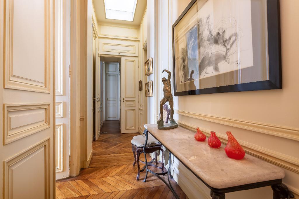 Vente Appartement de 4 pièces 126 m² - PARIS 75008   REZ DE CHAUSSEE.COM - AR photo7