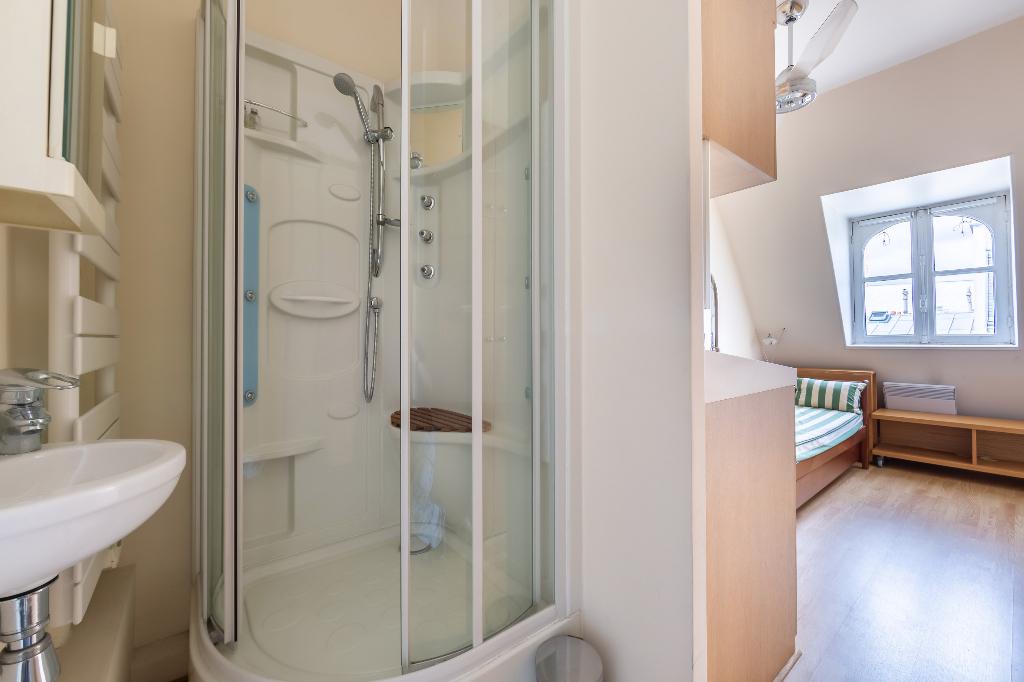 Vente Appartement de 4 pièces 126 m² - PARIS 75008   REZ DE CHAUSSEE.COM - AR photo11