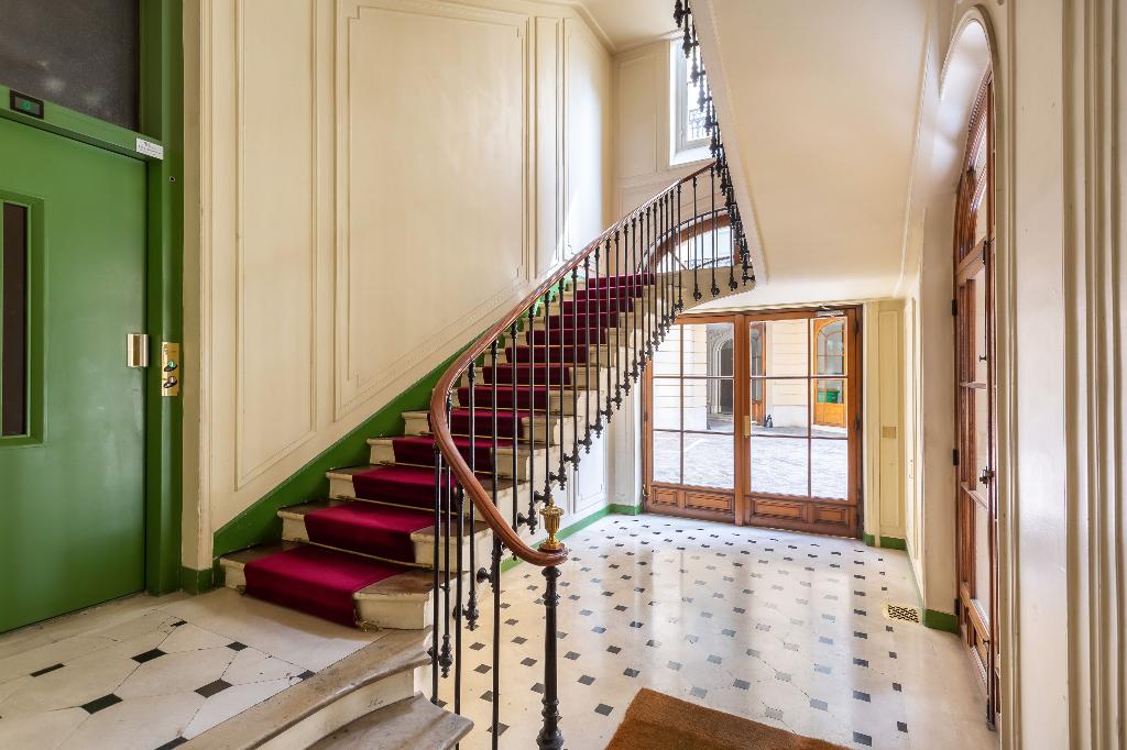 Vente Appartement de 4 pièces 126 m² - PARIS 75008   REZ DE CHAUSSEE.COM - AR photo12