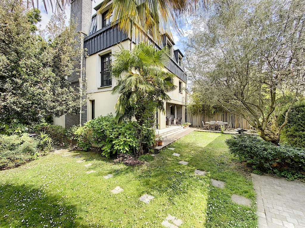 Vente Maison de 10 pièces 350 m² - SURESNES 92150   REZ DE CHAUSSEE.COM - AR photo1