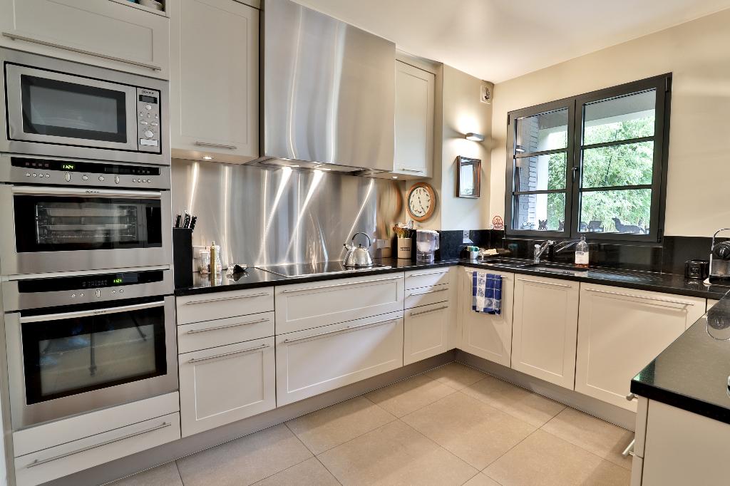 Vente Maison de 10 pièces 350 m² - SURESNES 92150   REZ DE CHAUSSEE.COM - AR photo3
