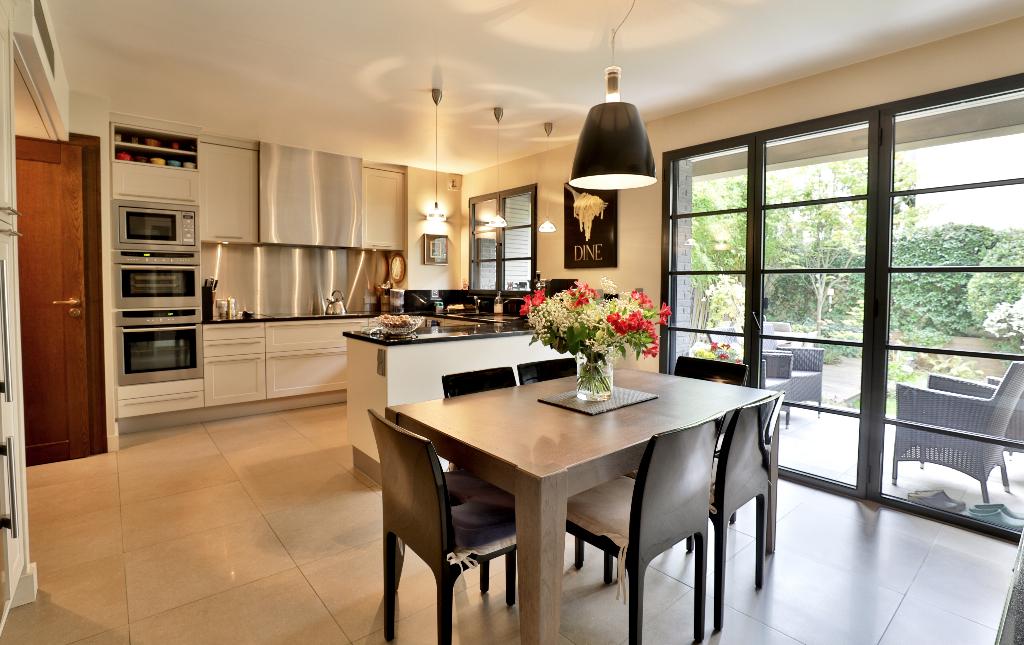 Vente Maison de 10 pièces 350 m² - SURESNES 92150   REZ DE CHAUSSEE.COM - AR photo4
