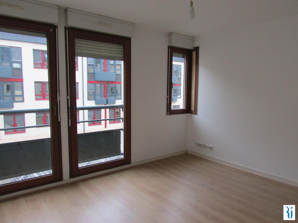 Rental apartment Rouen 427€ CC - Picture 2