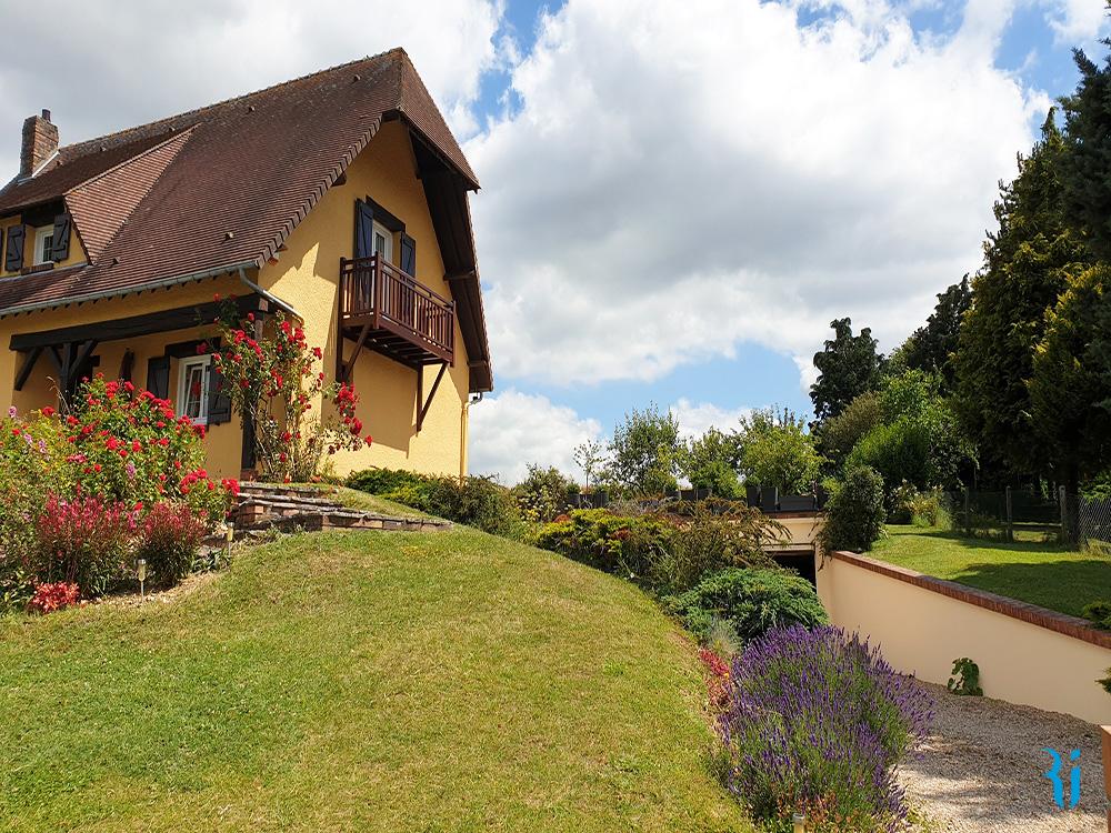 Maison CATENAY 76116 - RY avec vue panoramique.
