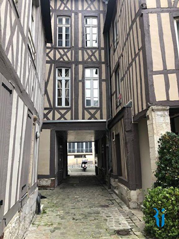 Local commercial - ROUEN (76000) Place du Vieux Marché.