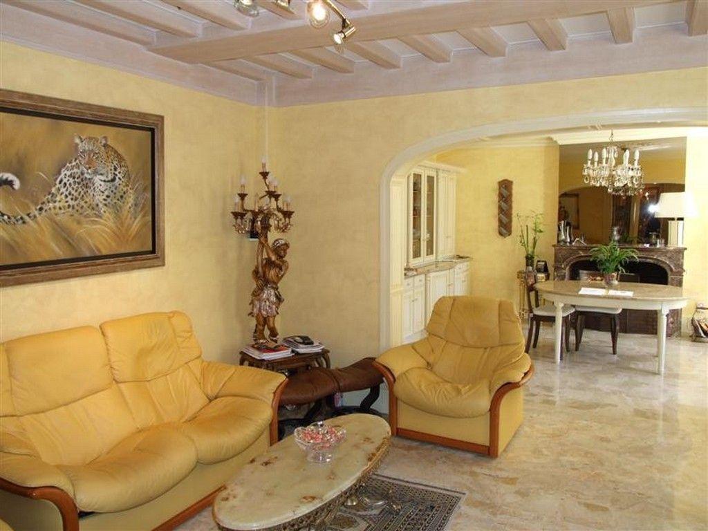 manoir de caractere 380 m2 avec dependances plateau est rouen 76000. Black Bedroom Furniture Sets. Home Design Ideas