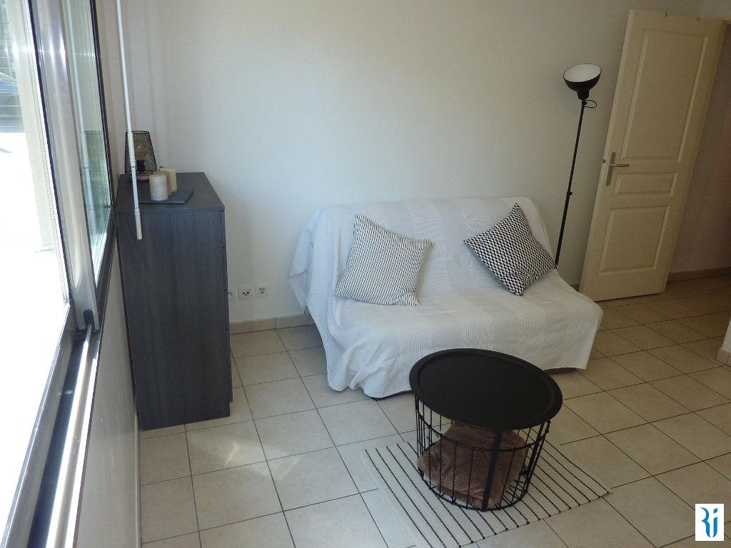 location appartement rouen gare 20 m2 76000 rouen 76000. Black Bedroom Furniture Sets. Home Design Ideas