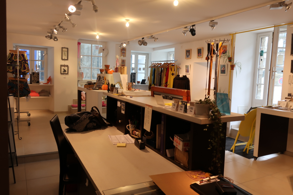 Rental empty room/storage Quimperle 790€ HC - Picture 2