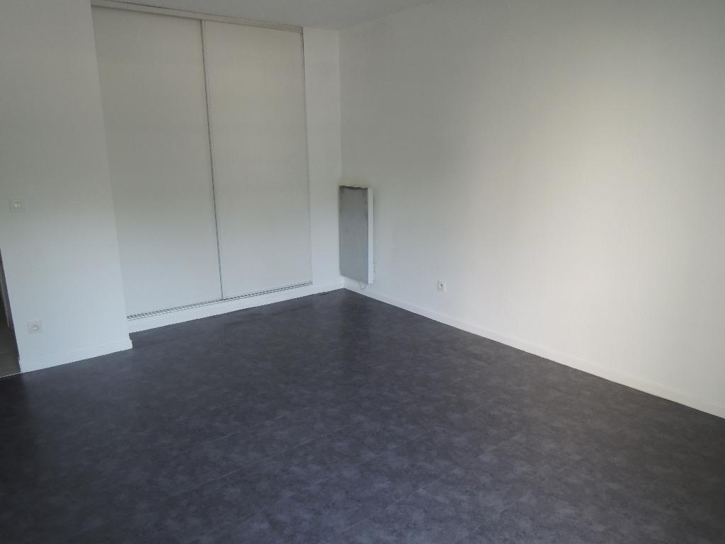 Location appartement Strasbourg 446,57€ CC - Photo 3