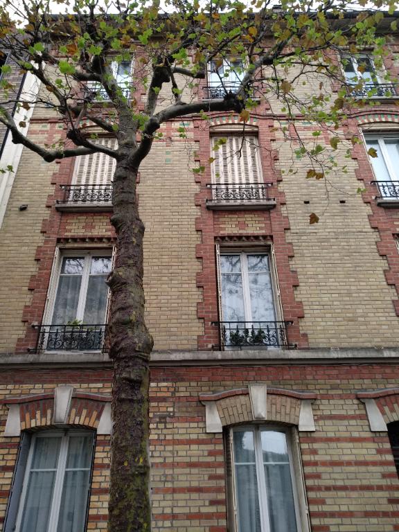 Rental apartment La garenne colombes 950€ CC - Picture 1
