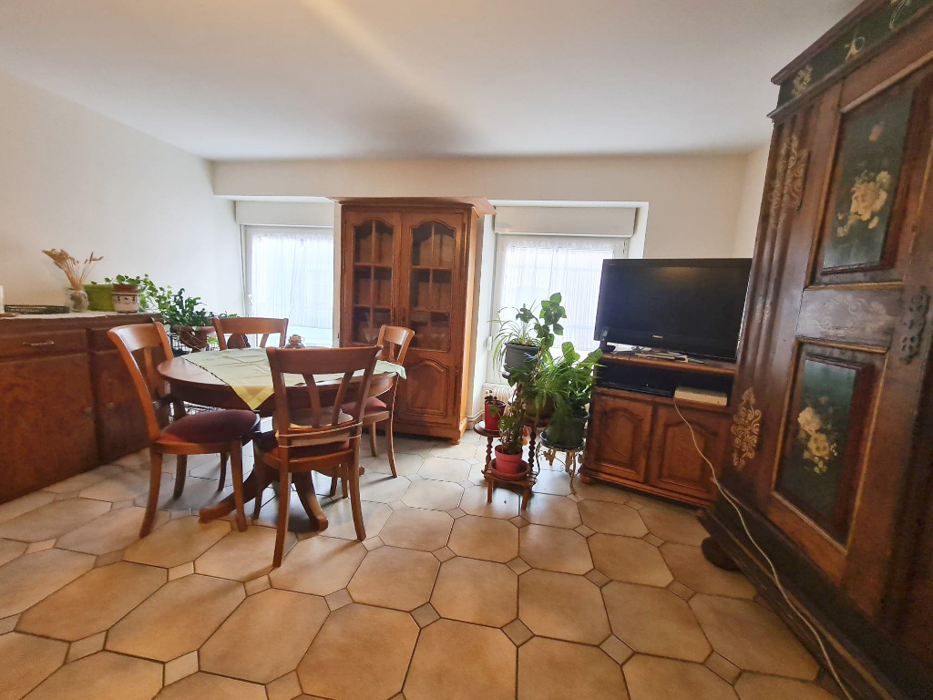 Sale apartment Guebwiller 106000€ - Picture 2
