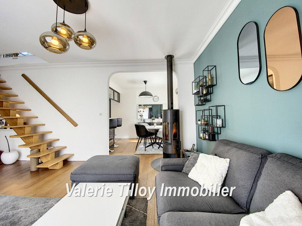 Sale house / villa Bourgbarre 279428€ - Picture 1