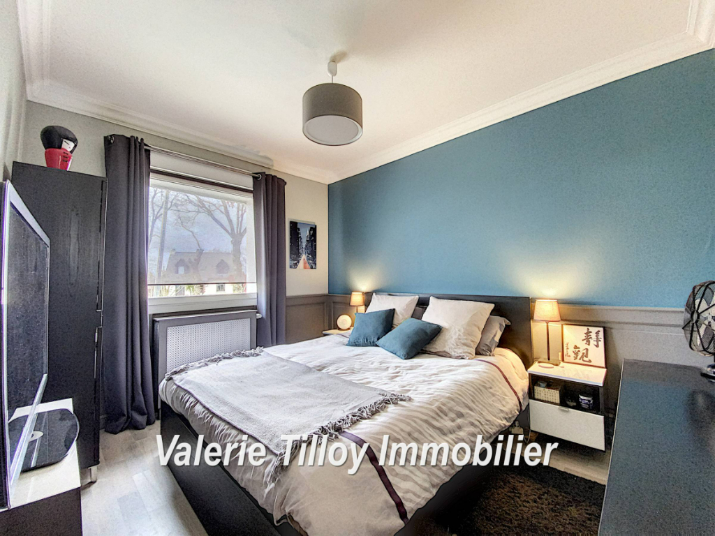 Sale house / villa Bourgbarre 279428€ - Picture 4