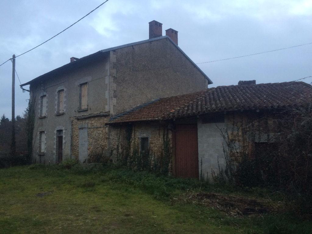 Photo CONORE Ensemble 2 maisons et 3 granges avec terrain image 1/4