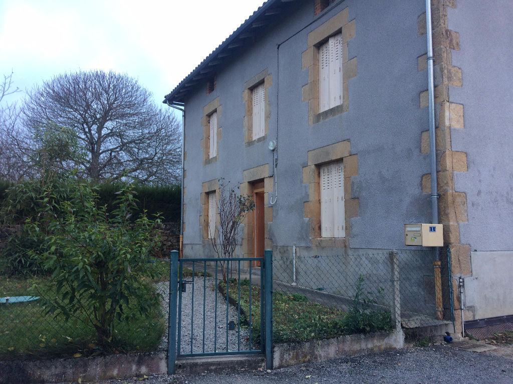 Photo CONORE Ensemble 2 maisons et 3 granges avec terrain image 2/4