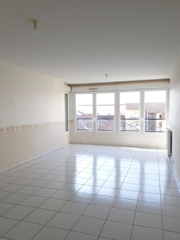 photo de LIMOGES T4 DE 83 m² PROCHE PLACE DES CARMES Limoges