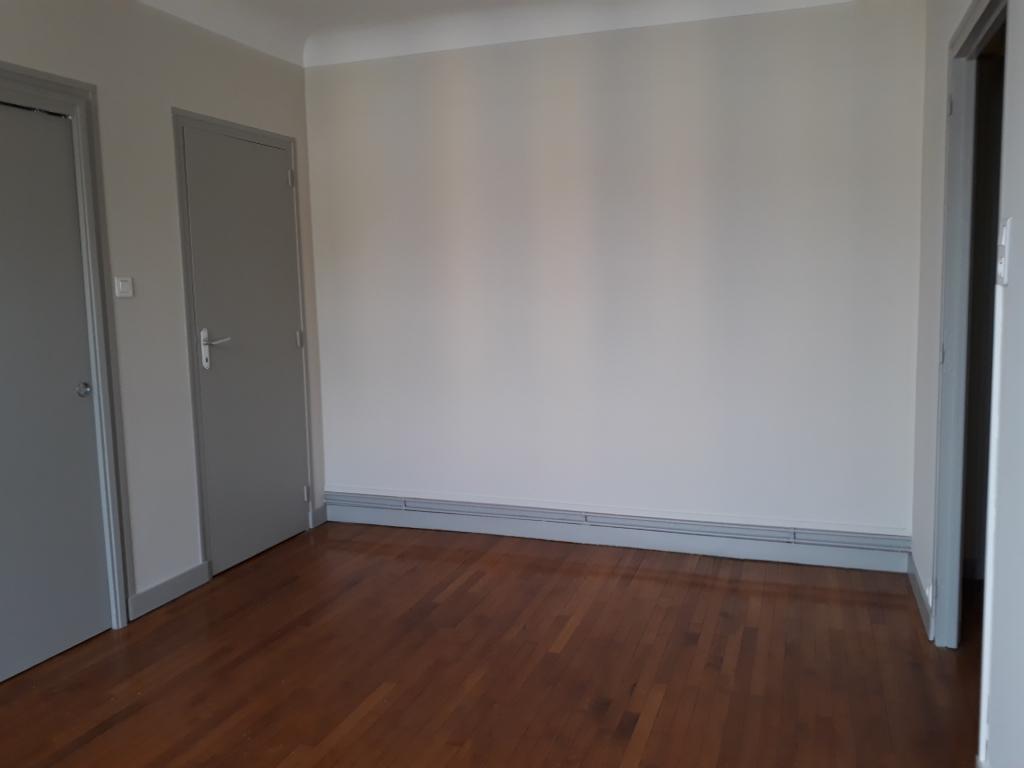 photo de LIMOGES T2 DE 32 m² AVEC BALCON ET GARAGE