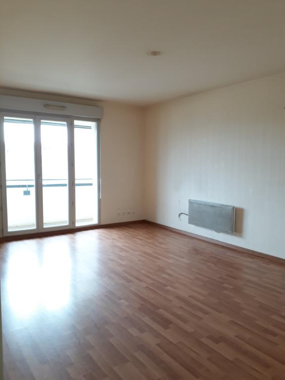 photo de LIMOGES T3 DE 72 m² PROCHE PLACE JOURDAN