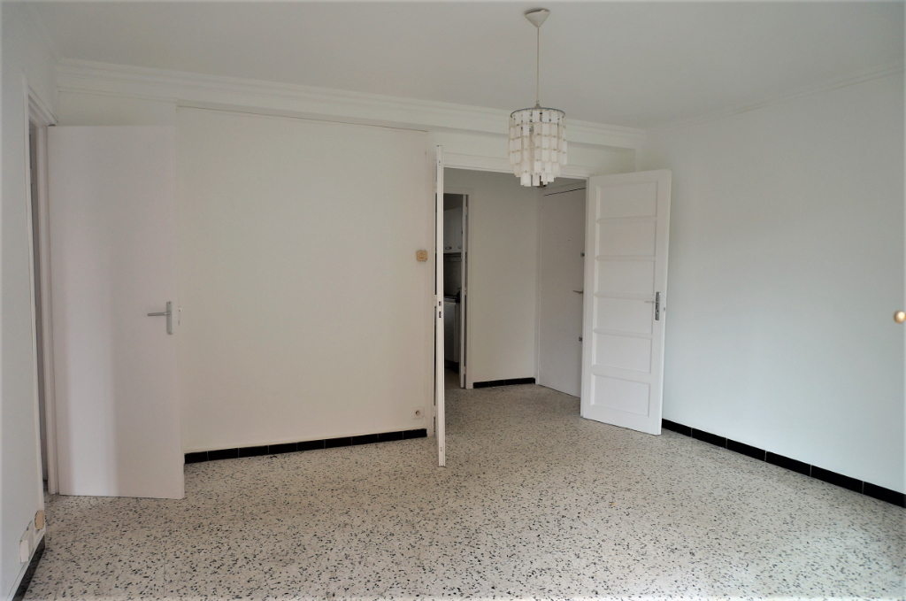 Photo A Vendre appartement T3 60 m² Sainte Marguerite 13009 Marseille image 2/6