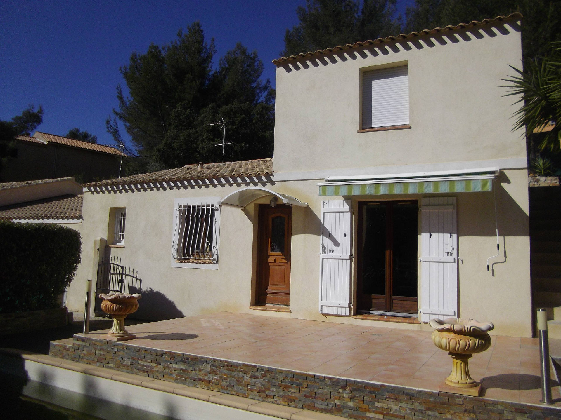 House 5 room(s) 120 m²                83150 BANDOL