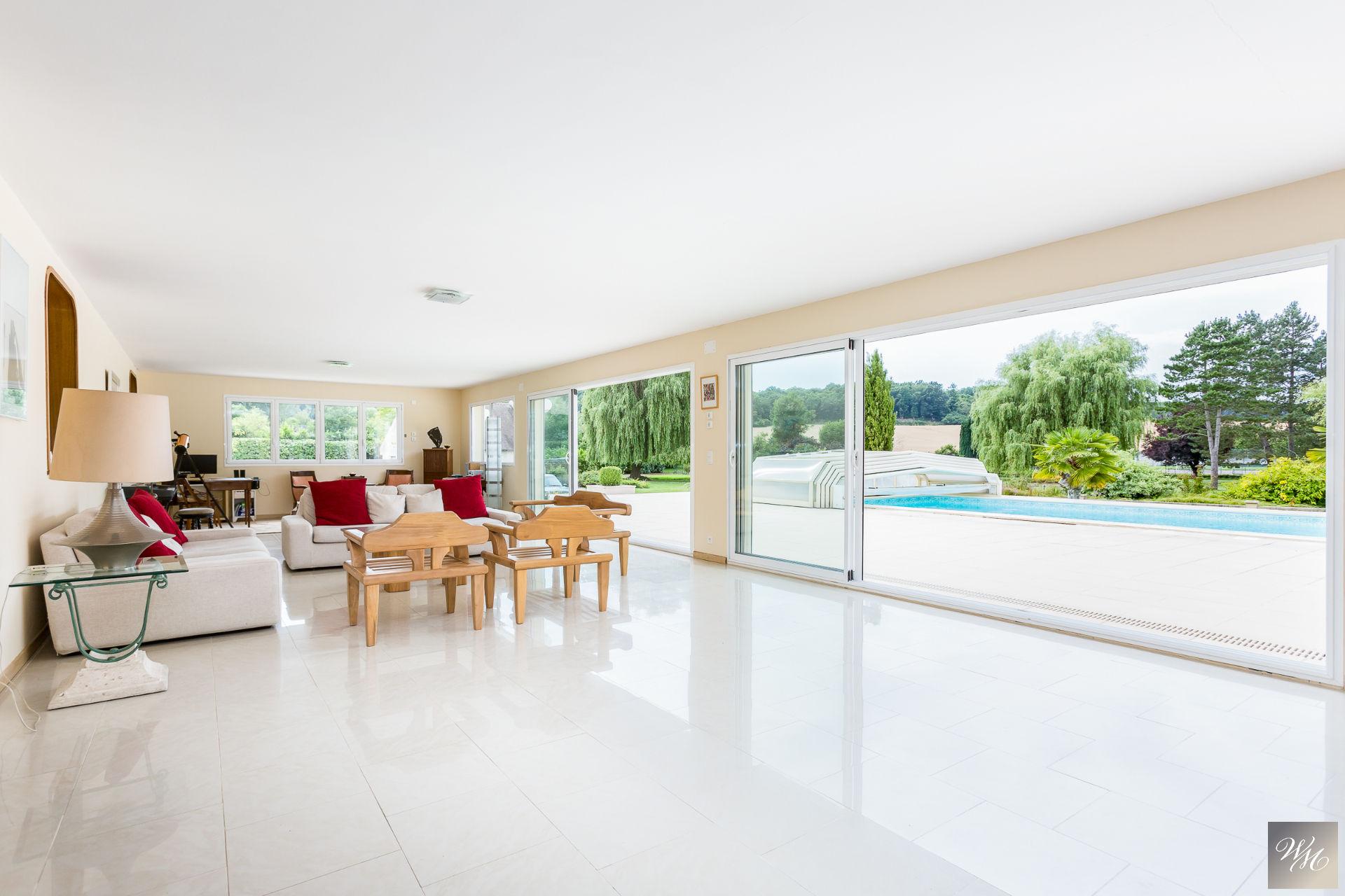 House 9 room(s) 300 m²                27570 BREUX SUR AVRE