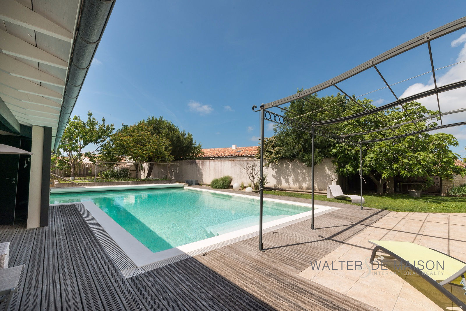Photo Maison Saint-Martin-de-Ré 10 pièces - 445 m² - 5 chambres -  Piscine-Pool-house 1500 m² image 3/6