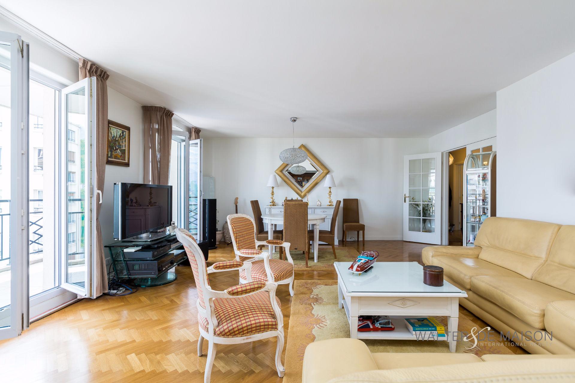 Appartement 5 pièce(s) 122 m²                         92120 MONTROUGE