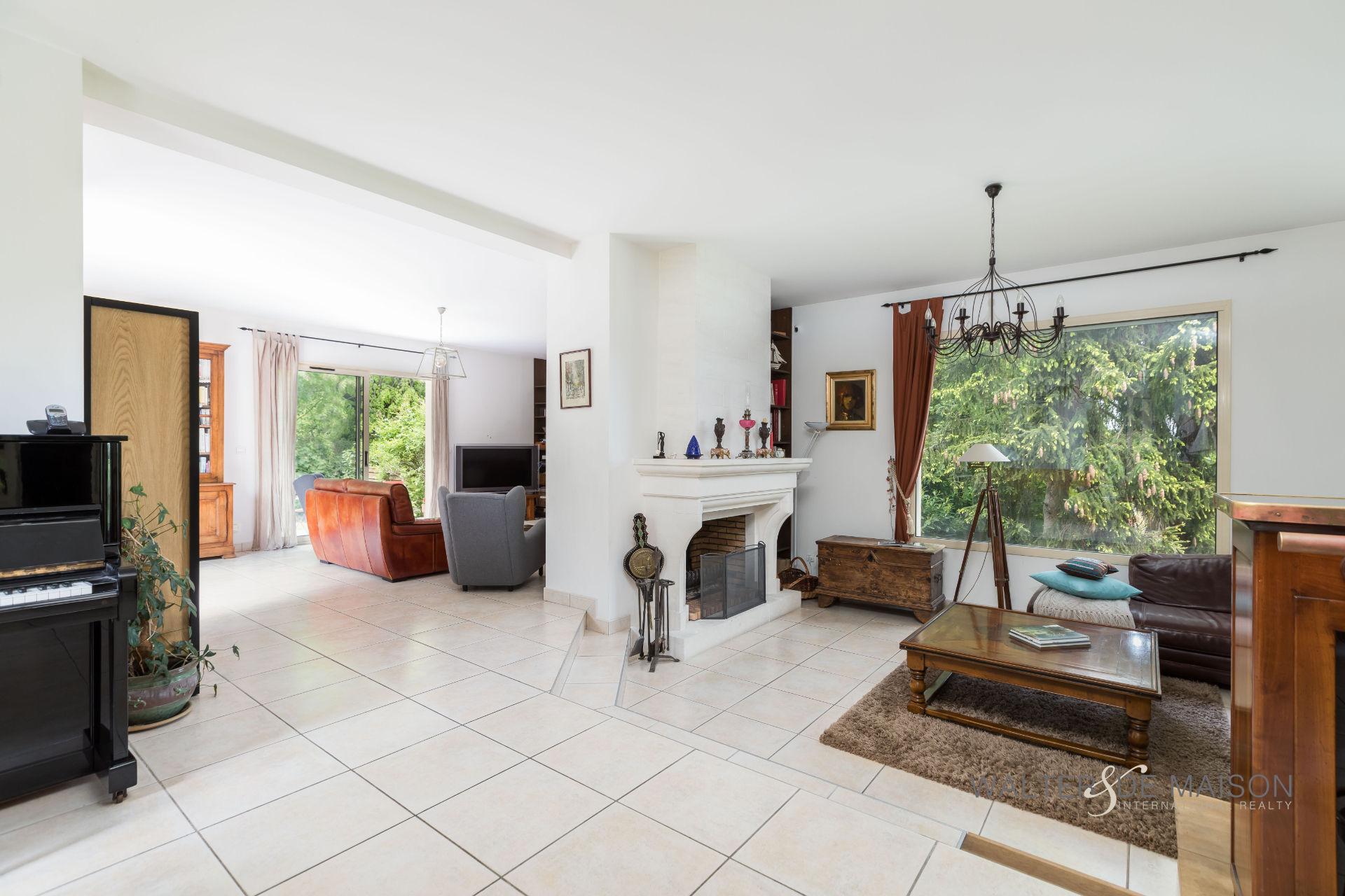 Maison 11 pièce(s) 300 m²                78380 BOUGIVAL