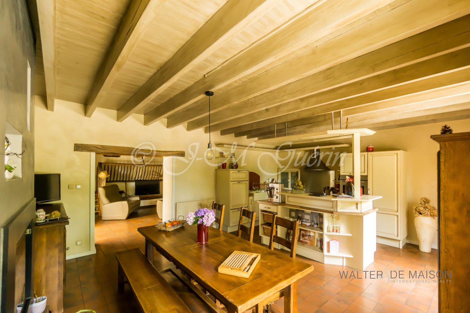 Maison 9 pièce(s) 200 m²                85110 CHANTONNAY