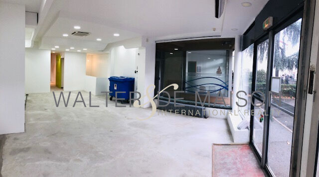 Local professionnel 120 m²