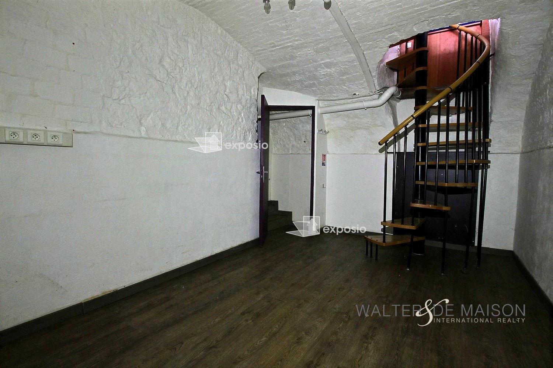 Local professionnel 80 m²