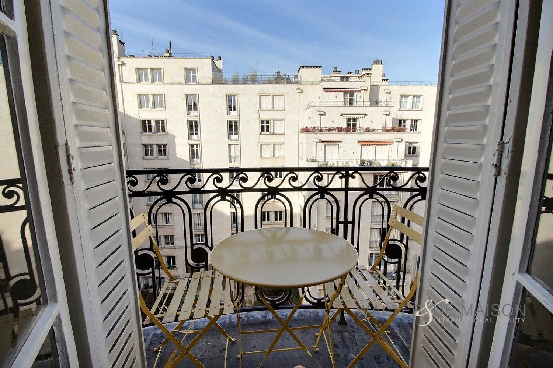 Appartement 6 pièce(s) 134 m²                         75017 PARIS