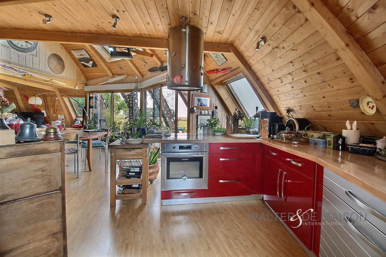 Maison 7 pièce(s) 220 m²                28000 CHARTRES