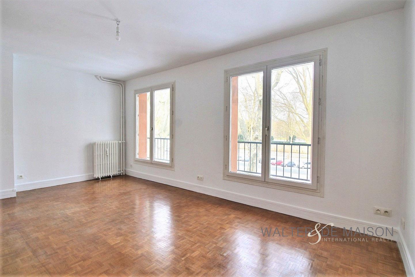 Appartement 2 pièce(s) 37 m²                         78000 VERSAILLES