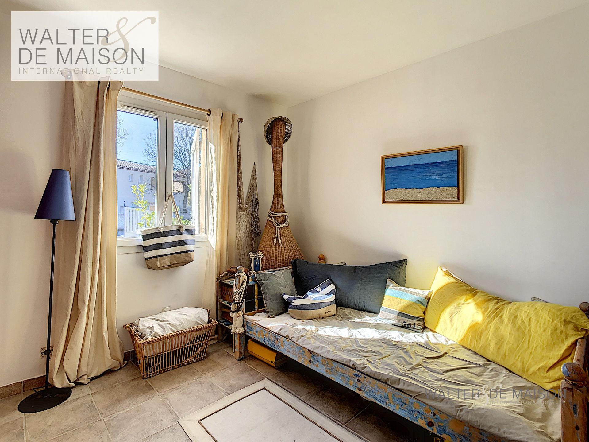Maison 4 pièce(s) 90 m²                83310 COGOLIN