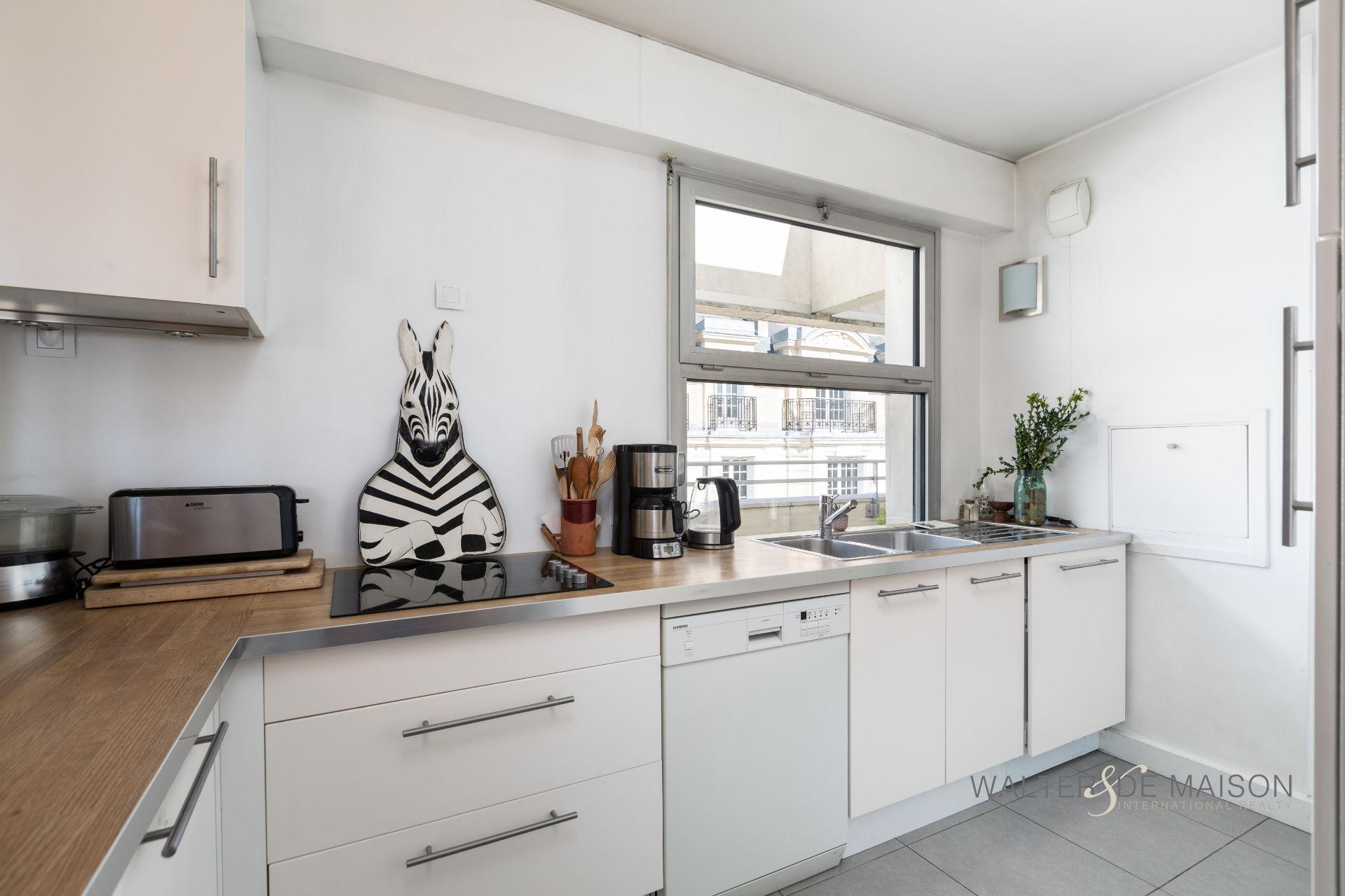 Appartement 4 pièce(s) 74 m²                         92300 LEVALLOIS PERRET