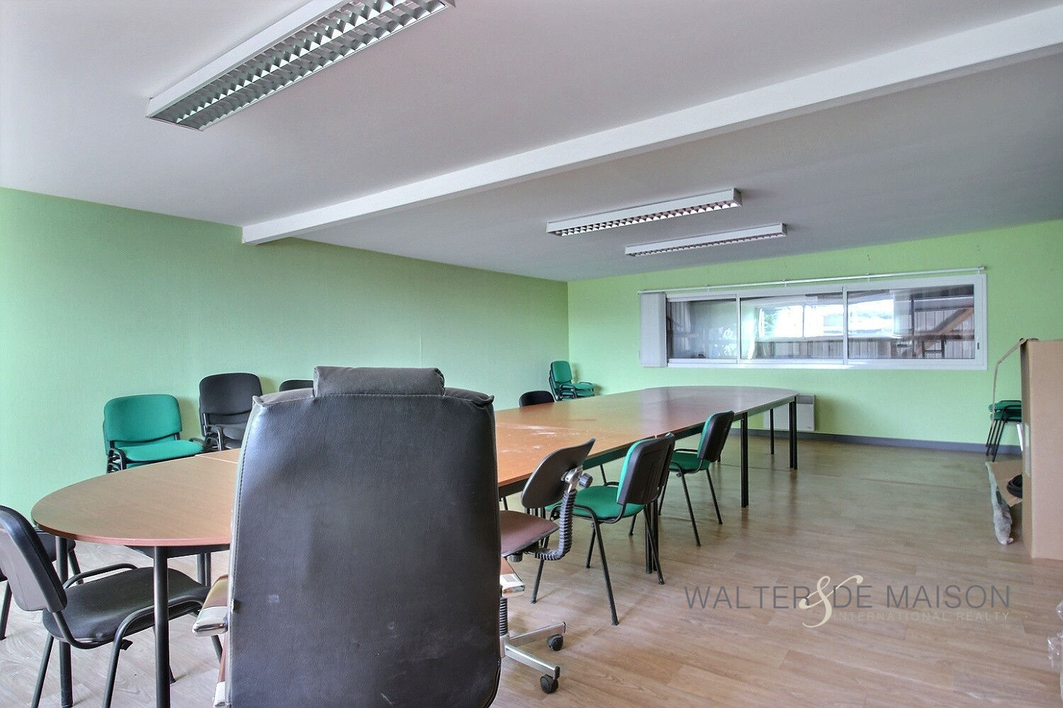 Local professionnel 780 m²