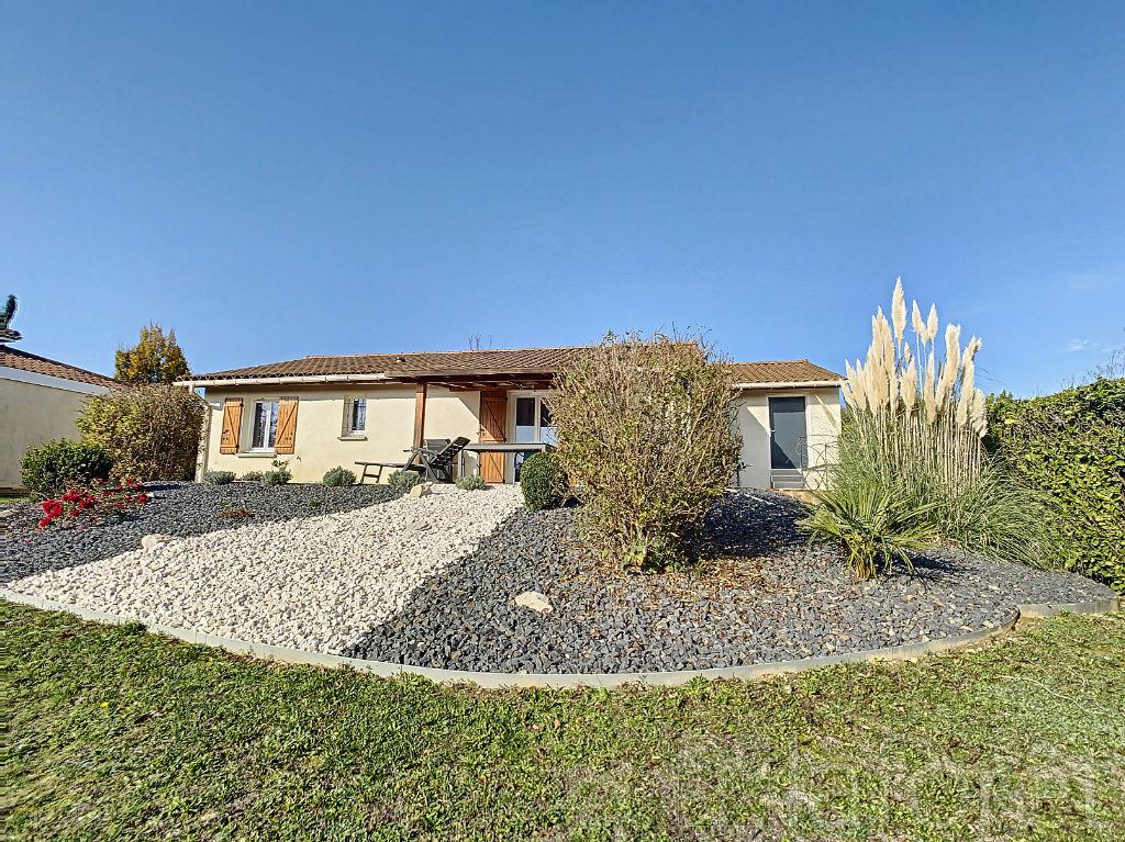 Sale house / villa Villefontaine 320000€ - Picture 1