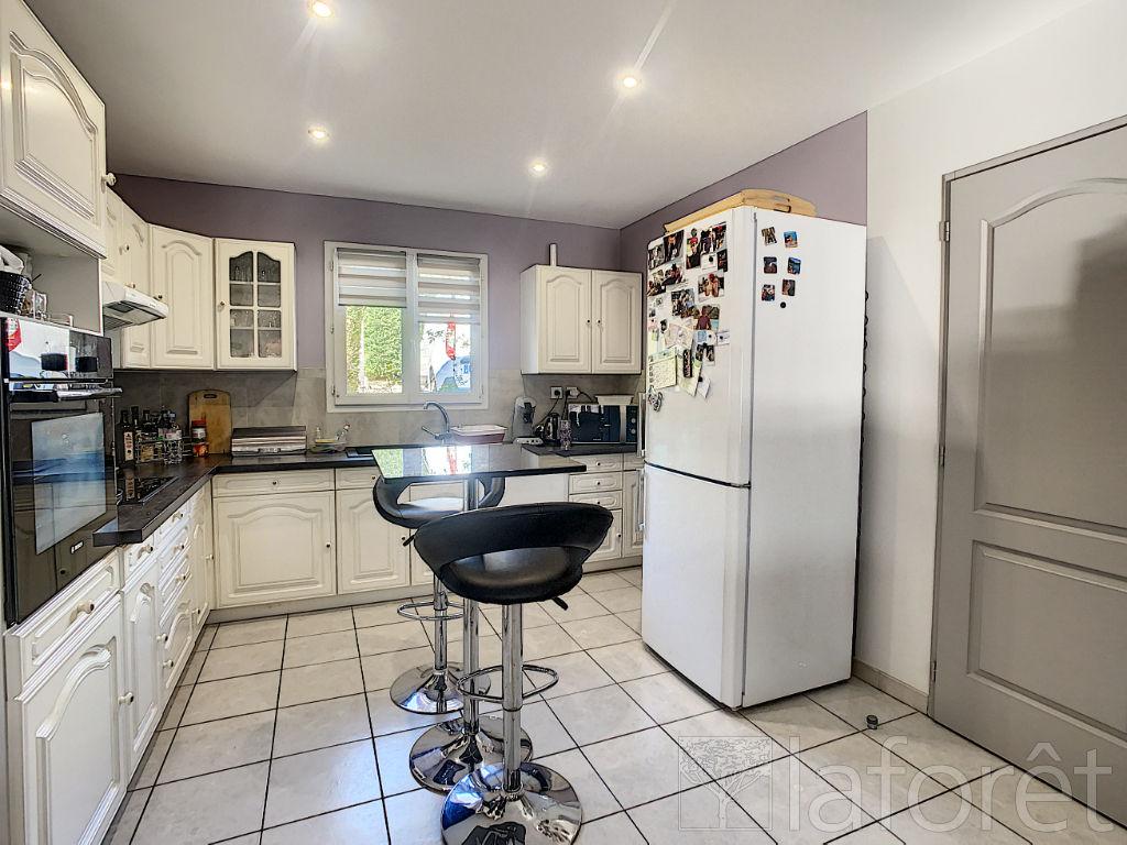 Sale house / villa Villefontaine 320000€ - Picture 3