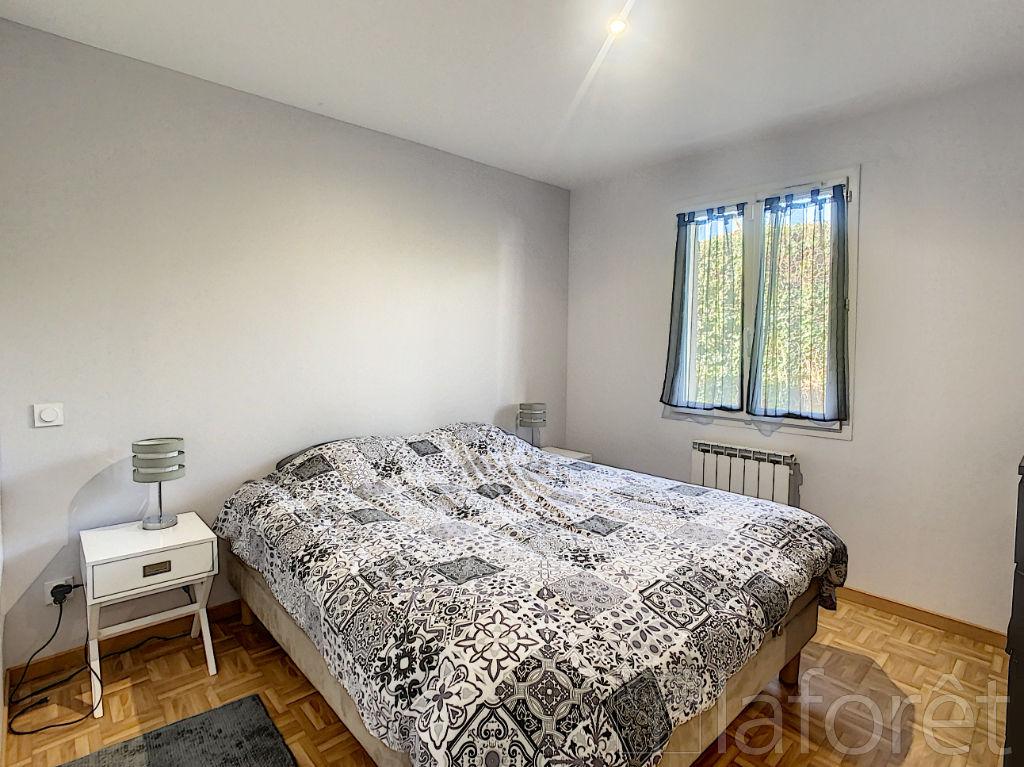 Sale house / villa Villefontaine 320000€ - Picture 4