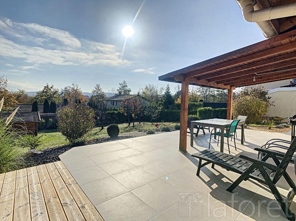 Sale house / villa Villefontaine 320000€ - Picture 7