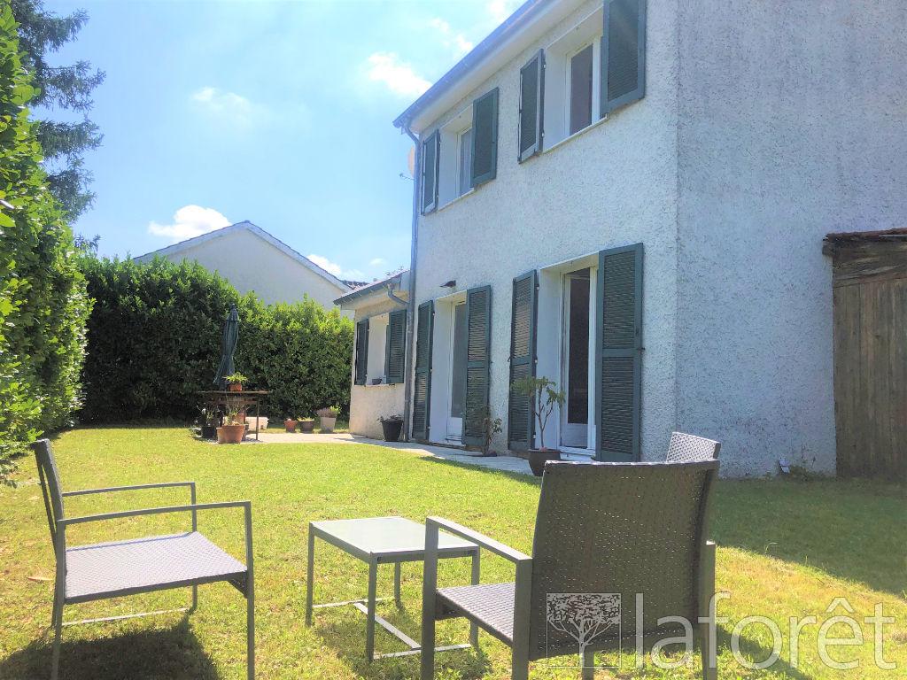 Location maison / villa Villefontaine 1250€ CC - Photo 2